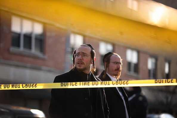 Jersey City「Officials Say Shooting In Jersey City At Kosher Market Was Targeted Attack」:写真・画像(12)[壁紙.com]