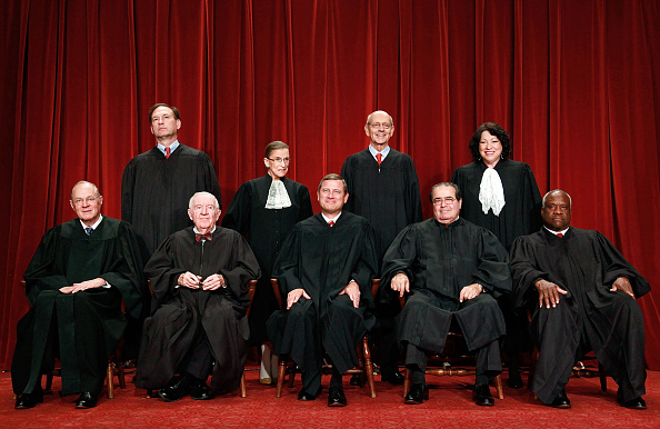 正義「U.S. Supreme Court Justices Pose For Group Photo」:写真・画像(6)[壁紙.com]