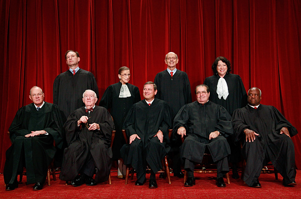 正義「U.S. Supreme Court Justices Pose For Group Photo」:写真・画像(19)[壁紙.com]