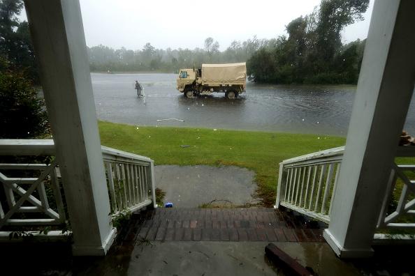 Chip Somodevilla「Hurricane Florence Slams Into Coast Of Carolinas」:写真・画像(17)[壁紙.com]