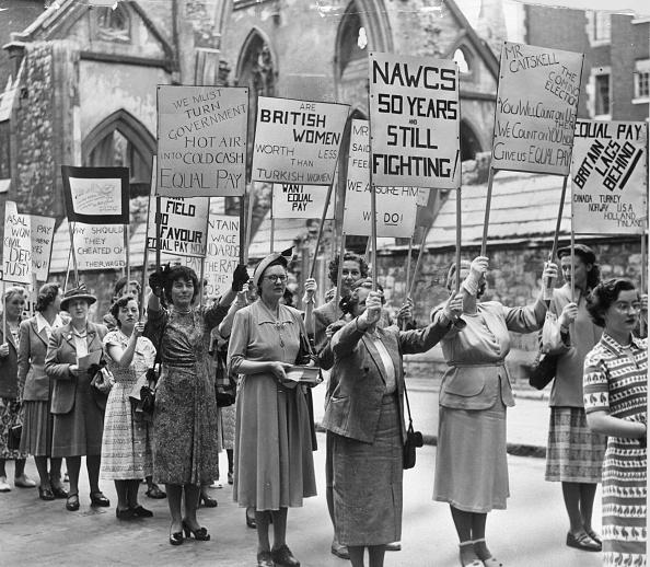 Paying「Equal Pay Demo」:写真・画像(10)[壁紙.com]