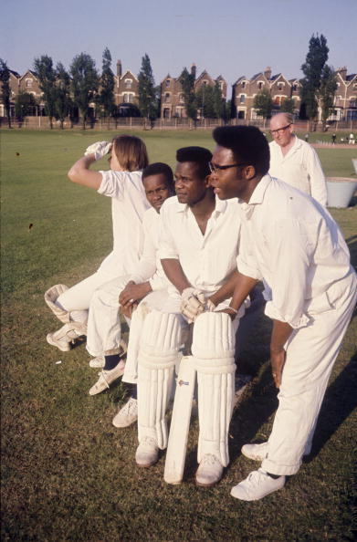Mid Adult Men「Finsbury Park Cricketers」:写真・画像(10)[壁紙.com]