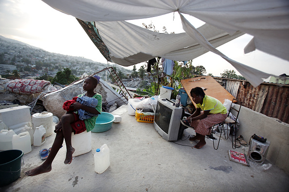 Block Shape「Haiti Wrestles With Basic Needs As Recovery From Deadly Earthquake Begins」:写真・画像(18)[壁紙.com]