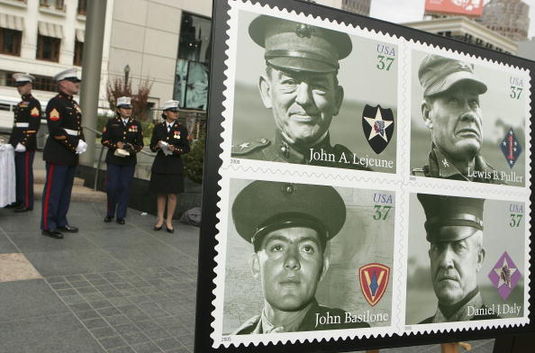 Post - Structure「Marine Corps Commemorative Stamps Unveiled On USMC's 230th Anniversary」:写真・画像(18)[壁紙.com]