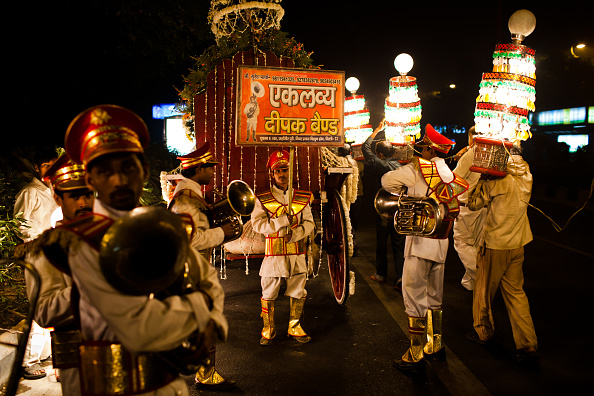 Delhi「Business Flourishes For Brass Bands During Indian Wedding Season」:写真・画像(11)[壁紙.com]
