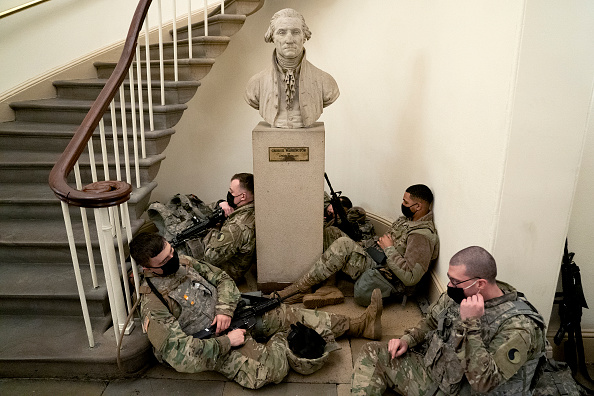 National Guard「Washington, DC Prepares For Potential Unrest Ahead Of Presidential Inauguration」:写真・画像(14)[壁紙.com]