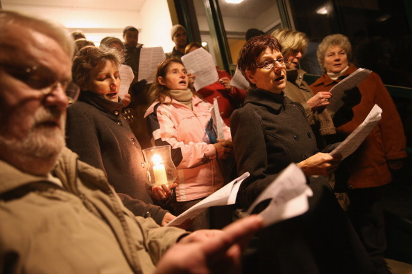 Church「Right-Wing Activists Protest Against Planned Refugee Shelter」:写真・画像(13)[壁紙.com]