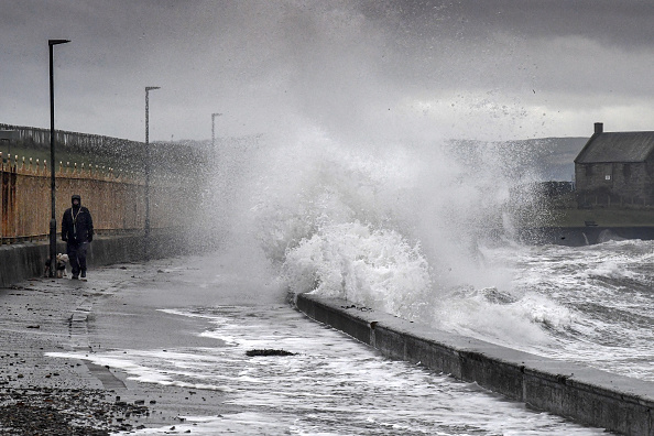 Wind「Scotland Battered By Storm Erik」:写真・画像(16)[壁紙.com]