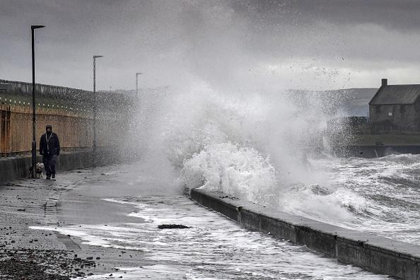 Torrential Rain「Scotland Battered By Storm Erik」:写真・画像(15)[壁紙.com]