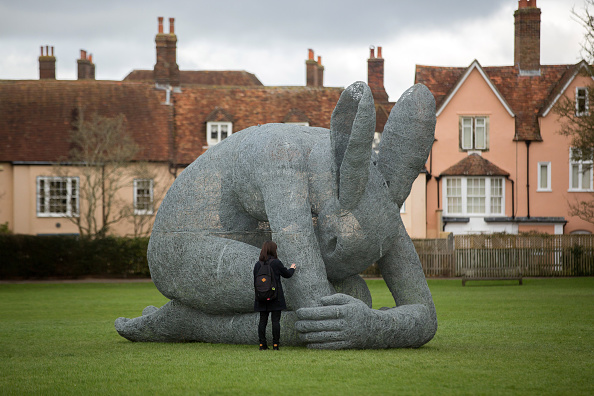 Salisbury Cathedral「The Relationships Exhibition At Salisbury Cathedral」:写真・画像(15)[壁紙.com]