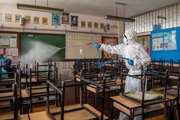 Bestof「Workers Disinfect Schools Ahead Of Reopening」:写真・画像(7)[壁紙.com]