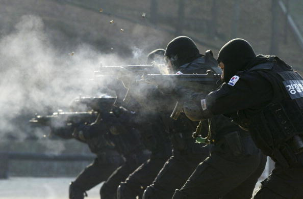 Side By Side「S. Korea Set To Vote On Extending Troop Deployment In Iraq」:写真・画像(12)[壁紙.com]