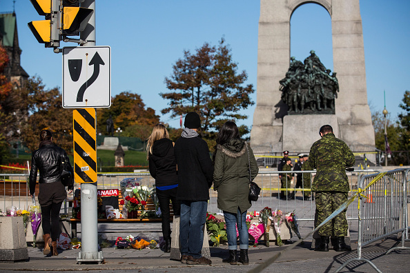 Nathan Burton「Ottawa On Alert After Shootings At Nation's Capitol」:写真・画像(6)[壁紙.com]