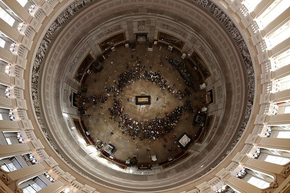 Rotunda「Rev. Billy Graham Lies In Honor In U.S. Capitol Rotunda」:写真・画像(3)[壁紙.com]
