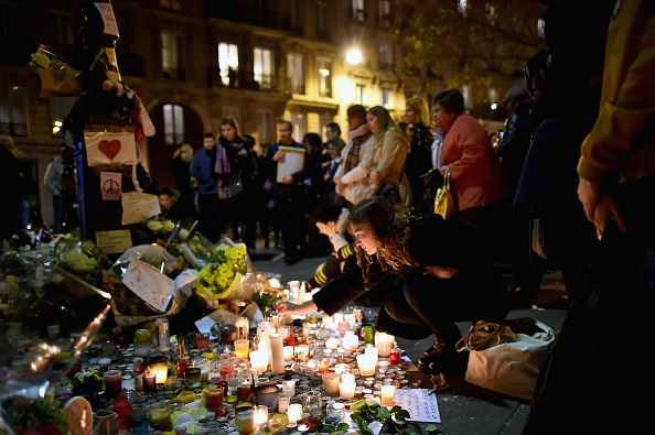 2015「Paris On High Alert As The French Capital Recovers From The Terrorist Attacks」:写真・画像(3)[壁紙.com]