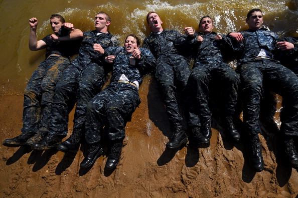 Sports Training「Naval Academy Underclassmen Put Through Grueling Physical Activities During Annual Sea Trials」:写真・画像(10)[壁紙.com]