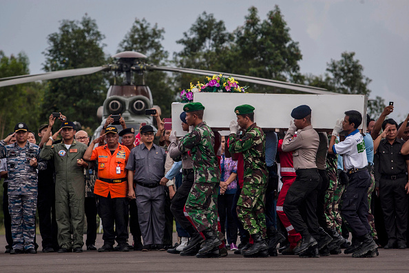 Air Force「Indonesia Mourns AirAsia Crash As Recovery Operation Continues」:写真・画像(1)[壁紙.com]