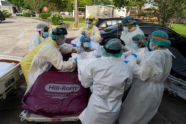 Houston - Texas「Texas Hospitals Cope With State's Surge In Coronavirus Cases」:写真・画像(3)[壁紙.com]