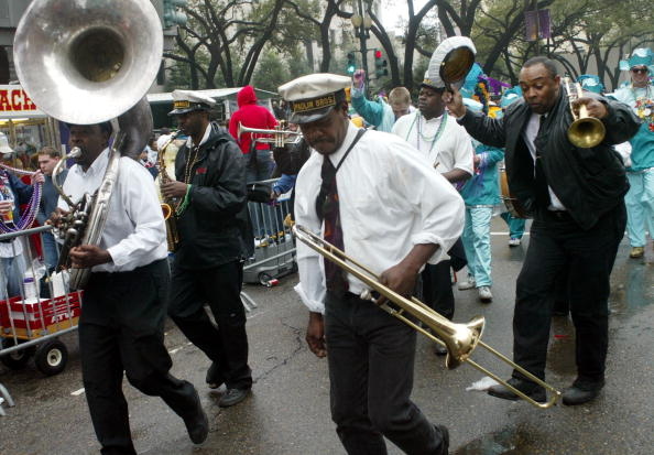 Human Arm「Fat Tuesday Mardi Gras Celebration Takes Place In New Orleans」:写真・画像(14)[壁紙.com]