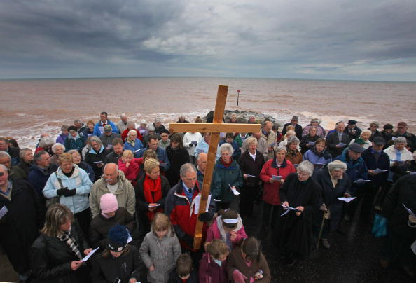 The Natural World「Christians Take Part In The Good Friday Walk Of Witness」:写真・画像(6)[壁紙.com]
