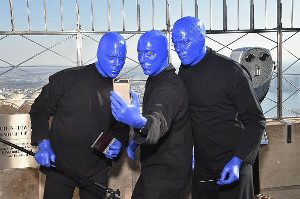 Photography Themes「Blue Man Group Lights The Empire State In Celebration Of Their 25th Anniversary」:写真・画像(15)[壁紙.com]