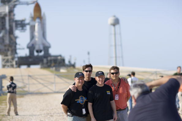 Hubble Space Telescope「NASA Prepares For Launch of Space Shuttle Atlantis」:写真・画像(3)[壁紙.com]