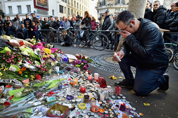 Terrorism「France Honours Attack Victims As The Nation Mourns」:写真・画像(15)[壁紙.com]