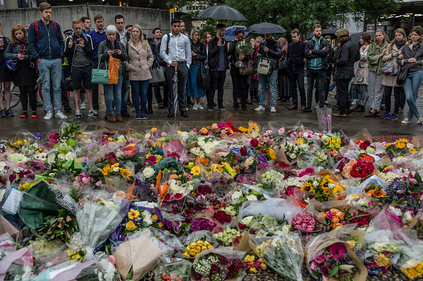 flower「Vigils Are Held For The Victims Of The London Bridge Terror Attacks」:写真・画像(14)[壁紙.com]
