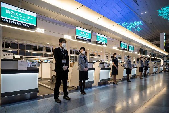 Airport「Concern In Japan As Mystery Virus Spreads」:写真・画像(13)[壁紙.com]