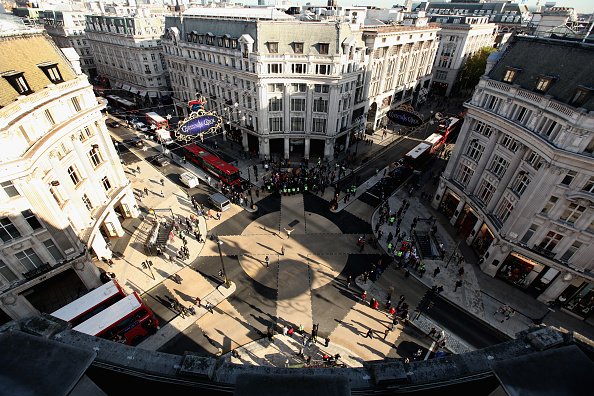 Slanted「Europe's Largest Diagonal Crossing Is Launched On Oxford Circus」:写真・画像(19)[壁紙.com]