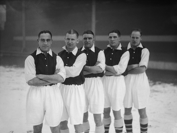 Soccer Uniform「Arsenal Players In The Snow」:写真・画像(13)[壁紙.com]
