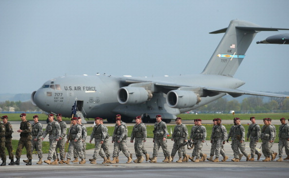 US Military「U.S. Infantry Troops Arrive In Poland For Exercises」:写真・画像(3)[壁紙.com]