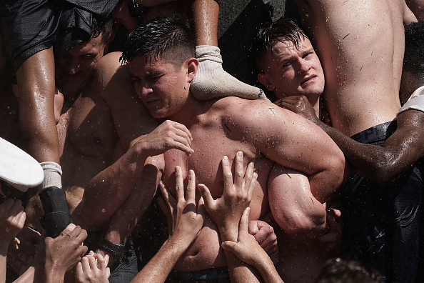 Bestpix「U.S. Naval Academy Freshmen Take Part In Annual Herndon Monument Climb」:写真・画像(9)[壁紙.com]