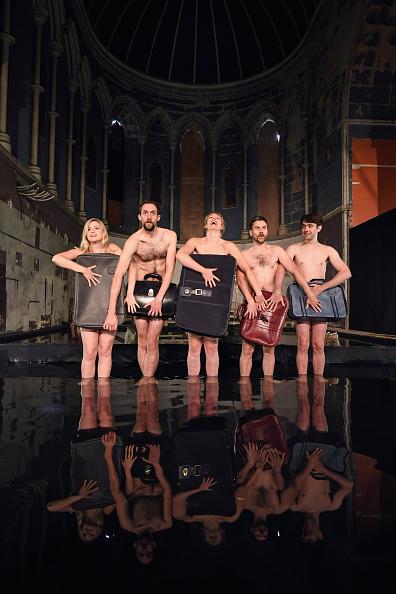 鳥「Volcano Theatre Group Presents 'Seagulls' at Edinburgh's Festival Fringe」:写真・画像(5)[壁紙.com]