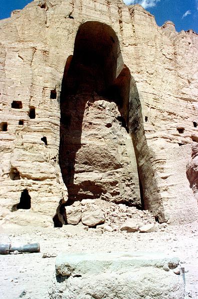 Buddha「Bamyan Buddha After Taliban Explosion」:写真・画像(6)[壁紙.com]