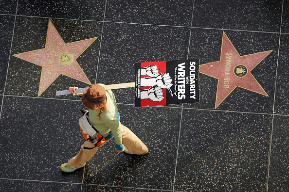 Hollywood - California「Other Unions Join Striking Writers For March Down Hollywood Blvd」:写真・画像(12)[壁紙.com]