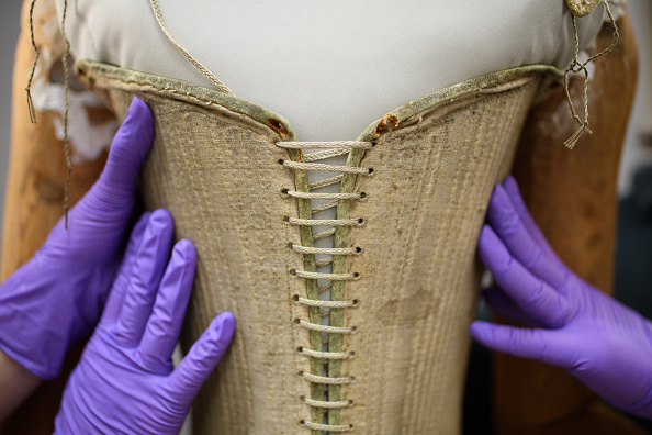 Teamwork「Queen Elizabeth I's Funeral Corset To Go On Show At New Abbey Museum」:写真・画像(5)[壁紙.com]
