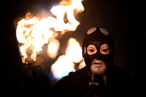 お祭り「Samhuinn Fire Festival On The Royal Mile Marks The Start Of Winter」:写真・画像(18)[壁紙.com]