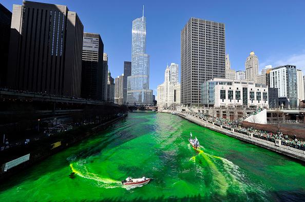 Dye「Chicago Celebrates St. Patricks Day」:写真・画像(0)[壁紙.com]
