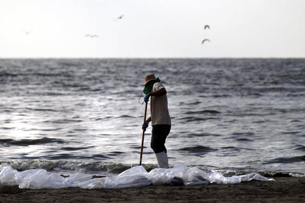 Environmental Protection Agency「Gulf Oil Spill Spreads, Damaging Economies, Nature, And Way Of Life」:写真・画像(16)[壁紙.com]