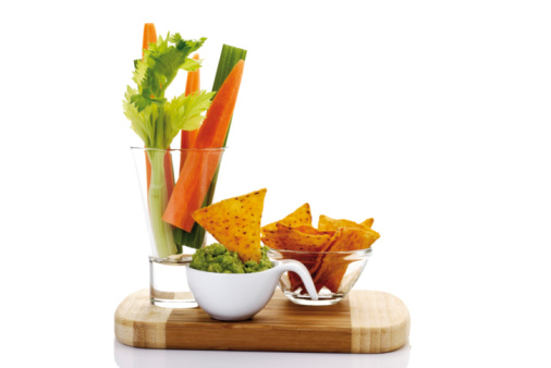 Carrot「Guacamole with vegetable sticks and tortilla chips」:スマホ壁紙(10)