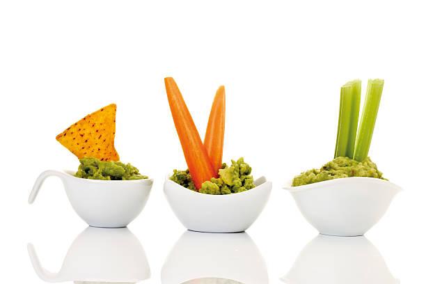 Guacamole with vegetable sticks:スマホ壁紙(壁紙.com)