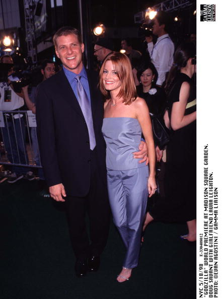1998年映画 ゴジラ「Godzilla World Premiere At Madison Square Garden Doug Savant With Girlfriend Laura Le」:写真・画像(14)[壁紙.com]