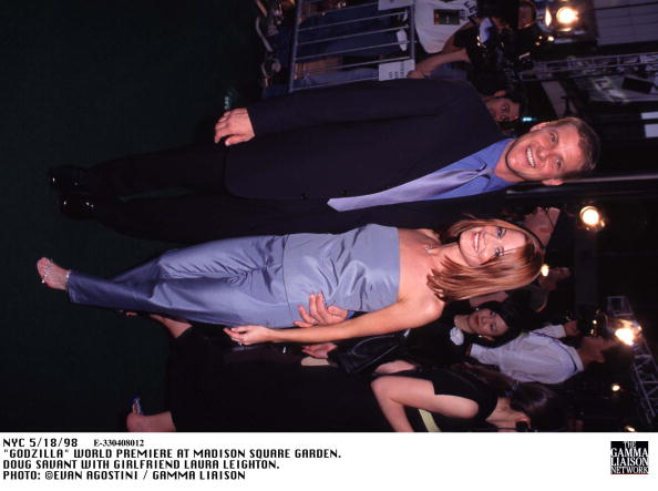 1998年映画 ゴジラ「Godzilla World Premiere At Madison Square Garden Doug Savant With Girlfriend Laura Le」:写真・画像(5)[壁紙.com]