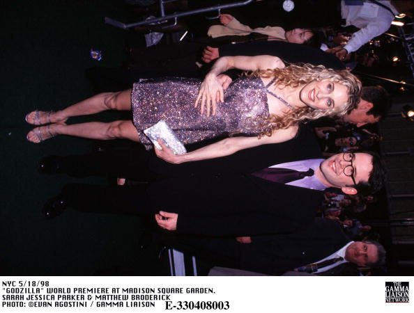 1998年映画 ゴジラ「Godzilla World Premiere At Madison Square Garden Sarah Jessica Parker & Matthew Broderick」:写真・画像(13)[壁紙.com]