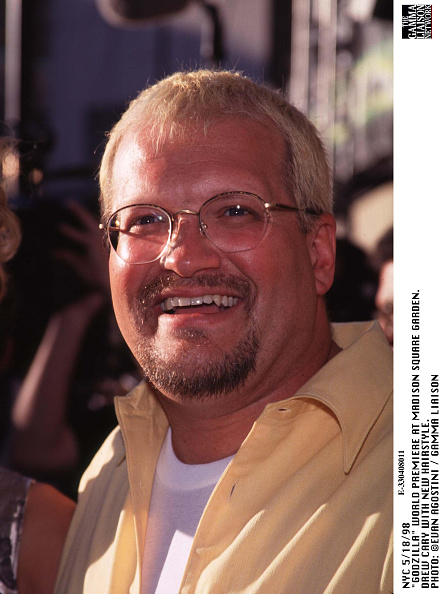 1998年映画 ゴジラ「Godzilla World Premiere At Madison Square Garden Drew Cary With New Hairstyle Photo:」:写真・画像(13)[壁紙.com]