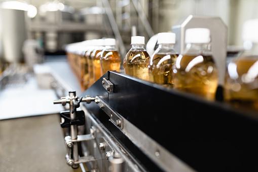 Heavy「Production line for juice bottling」:スマホ壁紙(14)