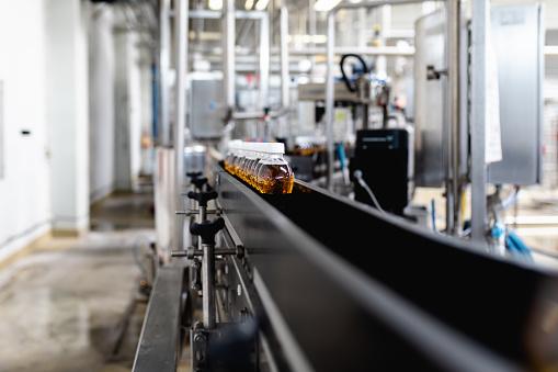 Juice - Drink「Production line for juice bottling」:スマホ壁紙(5)