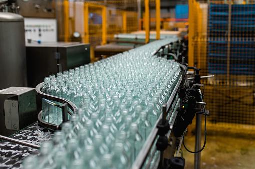 Glass - Material「Production line for juice bottling」:スマホ壁紙(17)