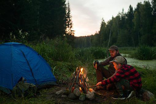 夏「空のキャンプサイト」:スマホ壁紙(12)